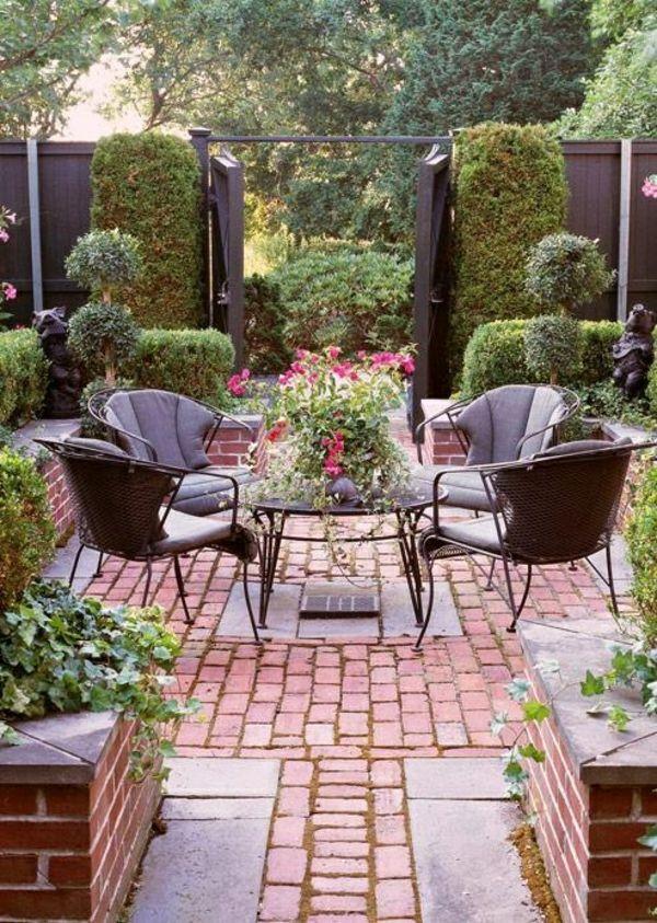 romantisches ambiente im garten ziegelgestaltung gartenmöbel - Terrasse Im Garten Herausvorderungen