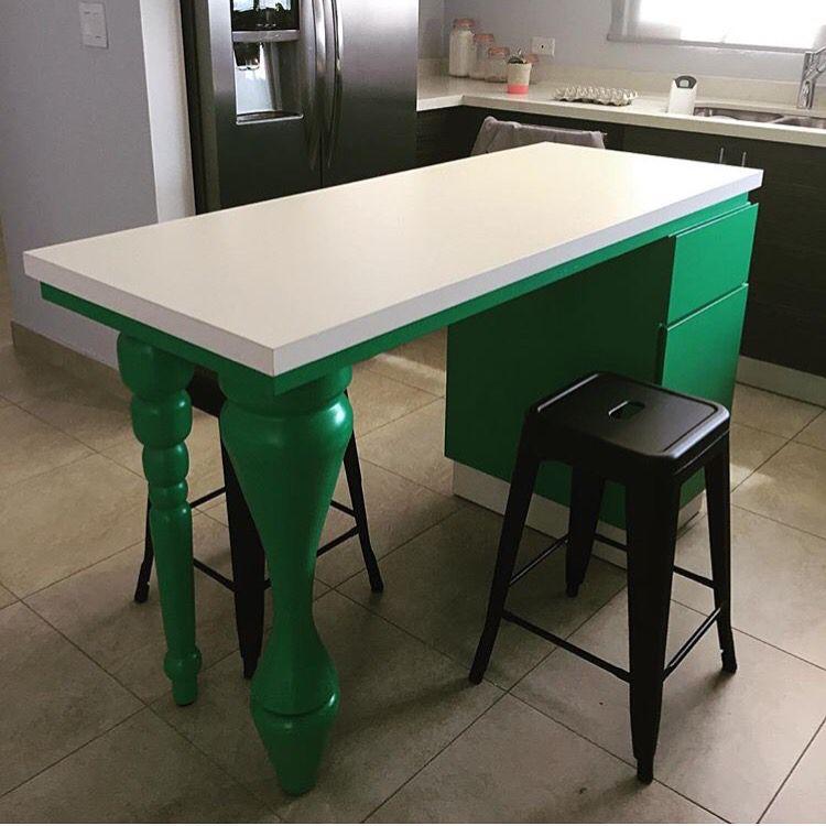 Isle table by Javi Olmeda, Constructo, Puerto Rico ❤️