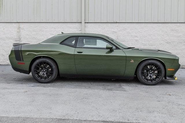2018 Dodge Challenger Scat Pack In F8 Green Profile Photo Dodge Challenger Dodge Challenger Scat Pack Hellcat Challenger