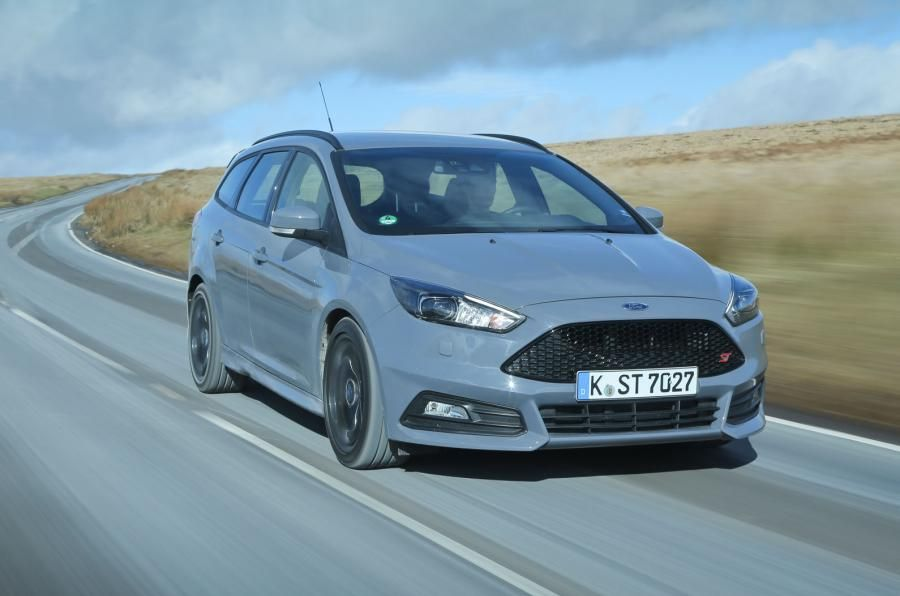 Ford Focus ST estate vs. Peugeot 308 SW and Seat Leon estate - comparison | & Ford Focus ST estate vs. Peugeot 308 SW and Seat Leon estate ... markmcfarlin.com