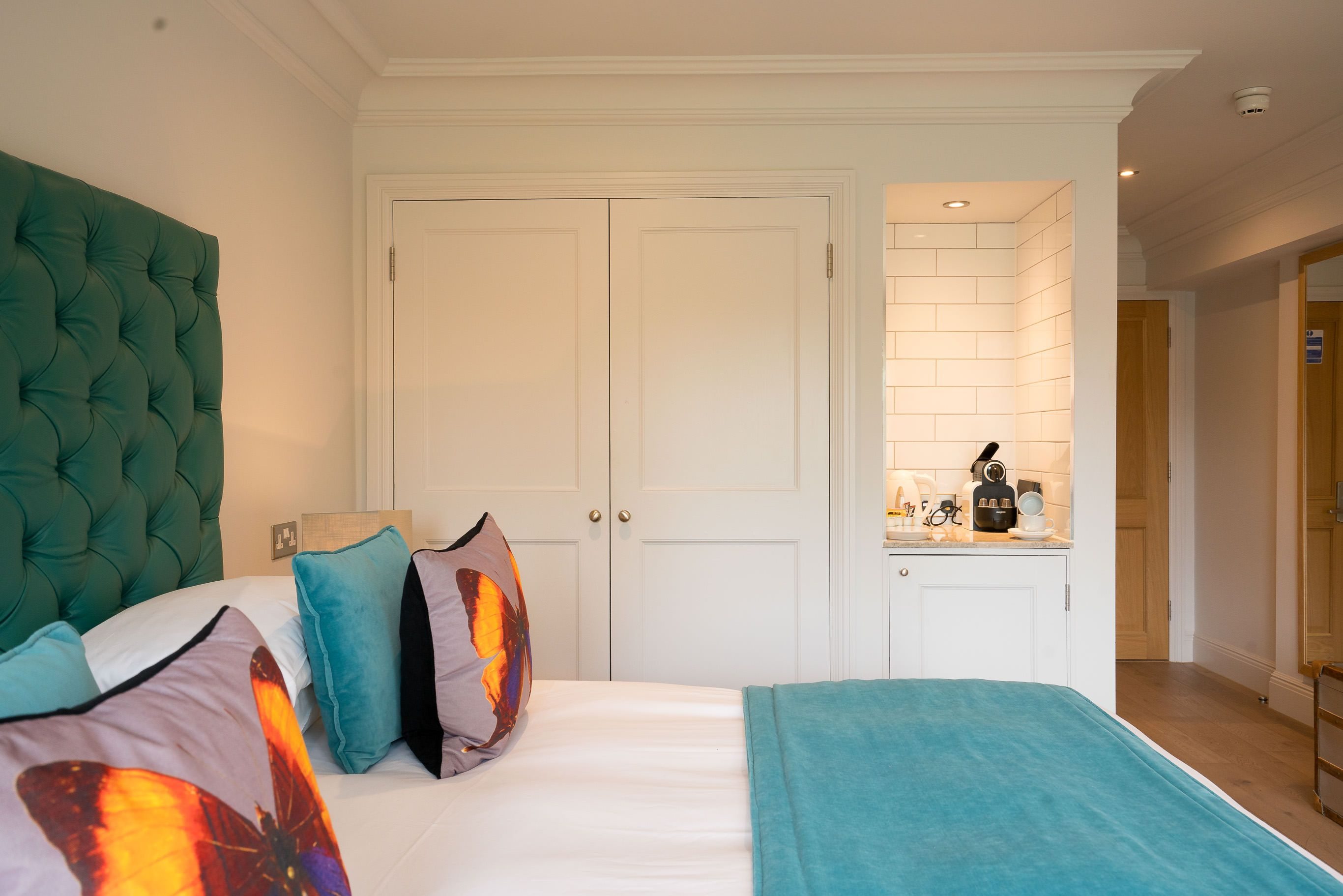 The swan streatley hotel design interior architecture also rh co pinterest