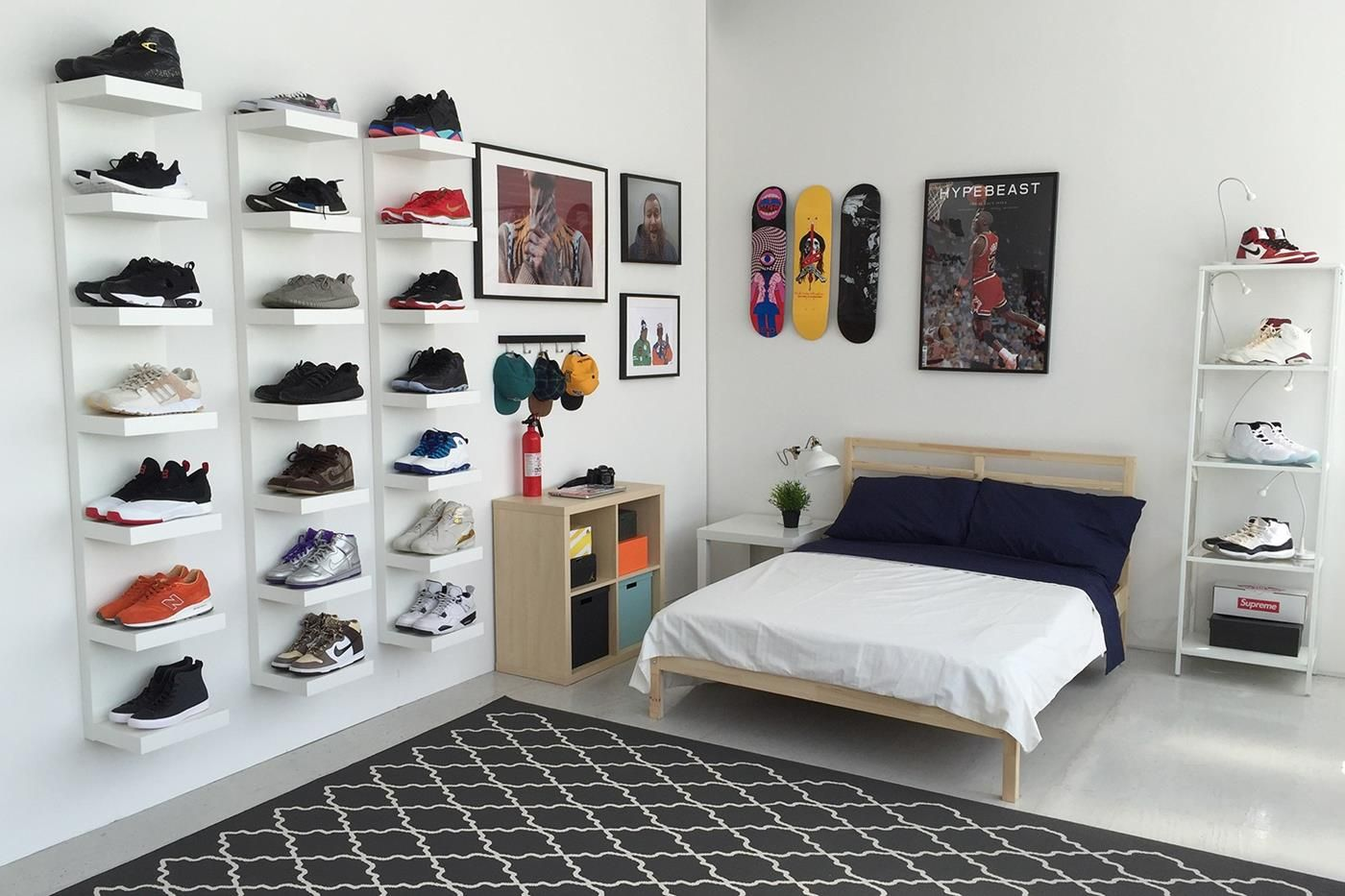 Ikea Teenager Zimmer · IKEA® And HYPEBEAST Design The Ideal Sneakerhead  Bedroom(18) Kinderzimmer, Zuhause,