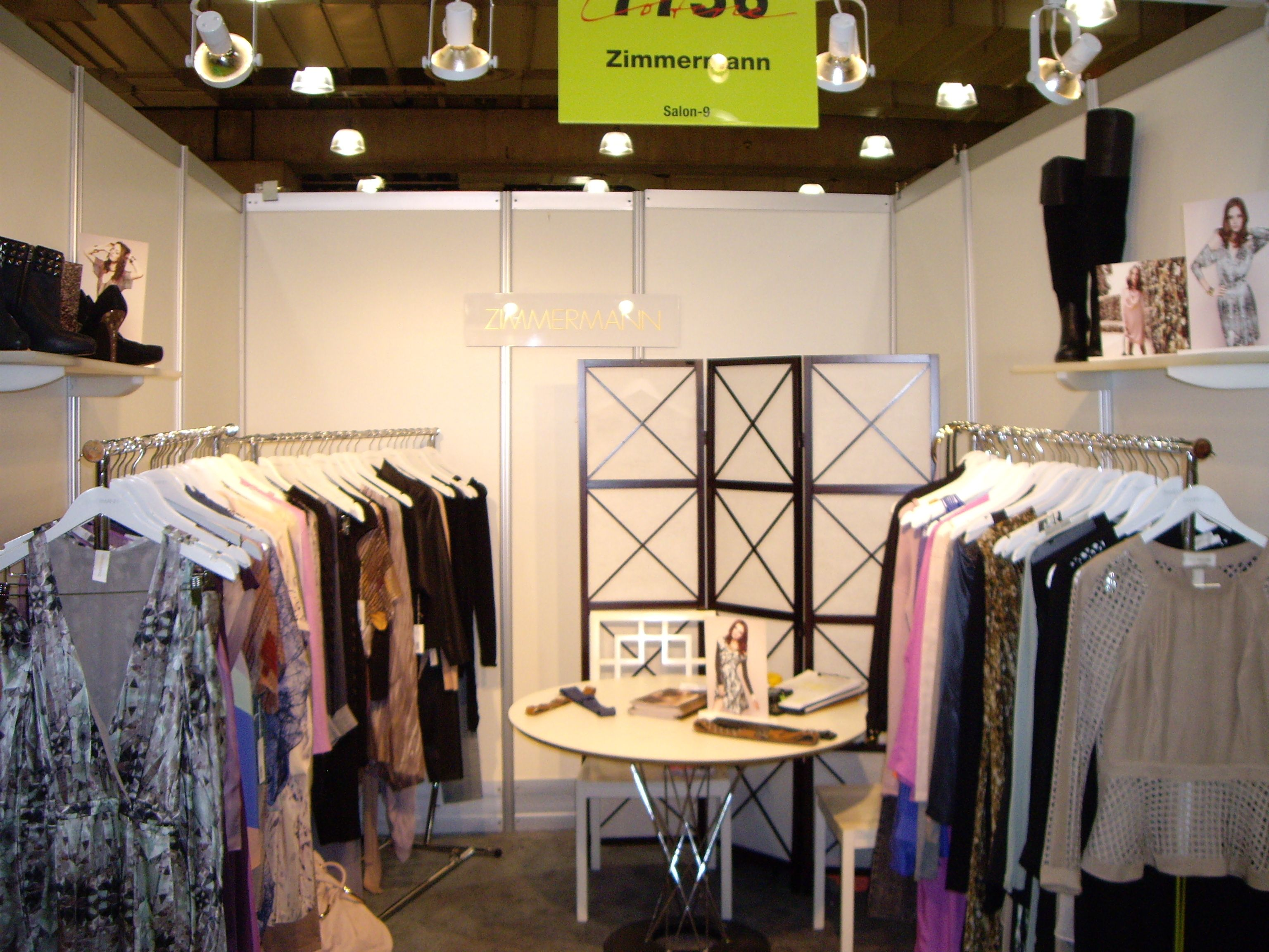 Exhibition Booth Inspiration : Fashion trade show booth trunk inspiration