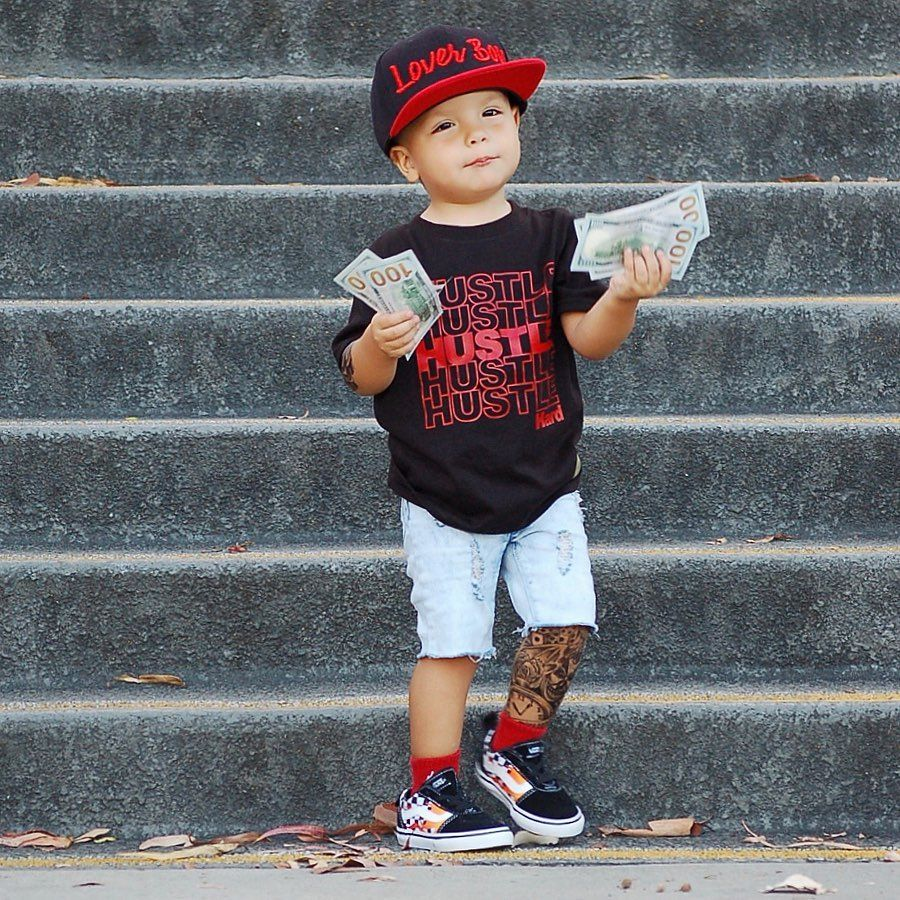 Hustle hard 💰👌 . . . Hat downtown_krowns Use code