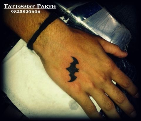 9ff9ba4ea23bd Tattoo#Small#Bat#Batman#logo#Hand#Tiny#Black#Simple   phil's tattoos ...