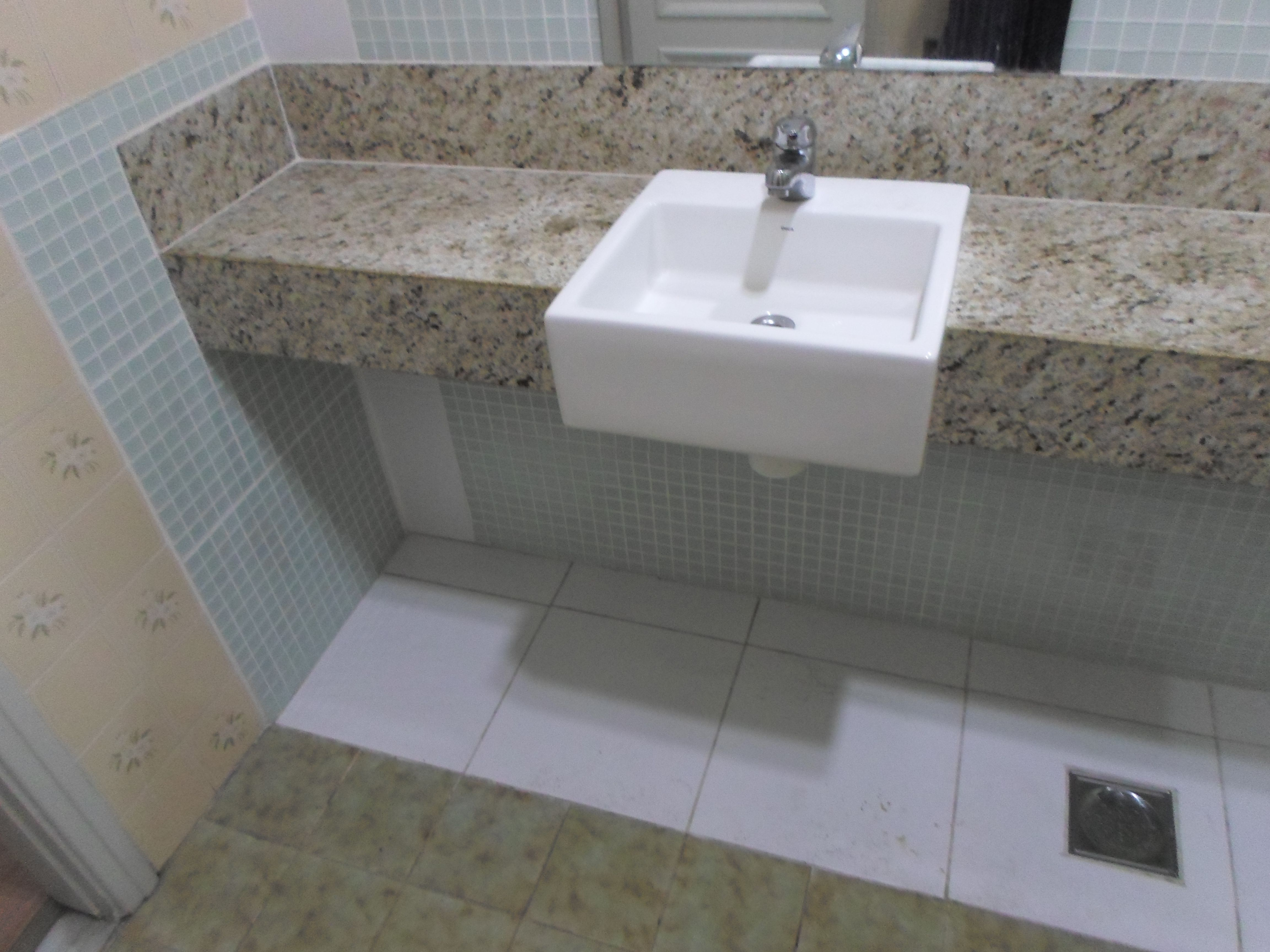 Reforma De Banheiro Social Com Bancada Em Granito Com Cuba