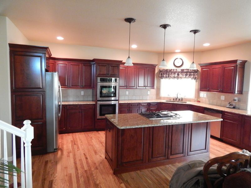 Best Kitchen Cabinets After Refurbishing With Maple Drawer And 400 x 300