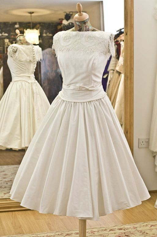 Retrolove   The Couture Company • Bespoke wedding gowns made to ...