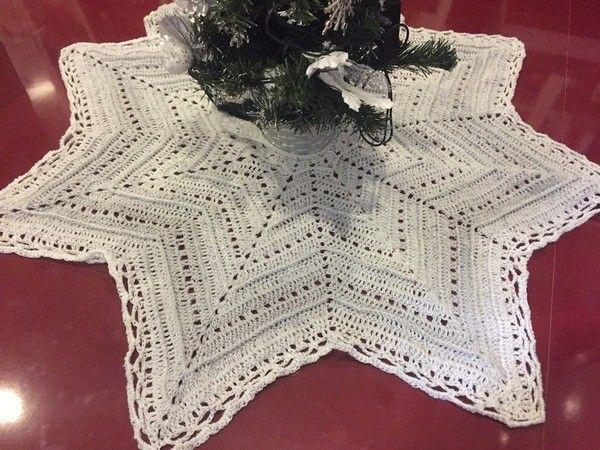 Jetzt Eine Schöne Sternförmige Decke Christbaumdecke Ein
