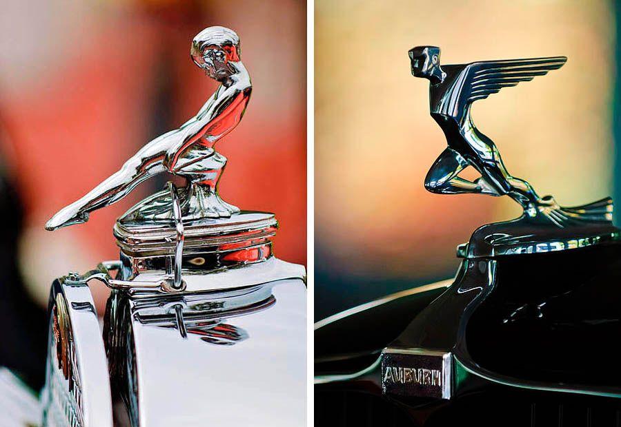 L. 1930 Packard 734 Speedster R. 1932 Auburn 12-160 Speedster