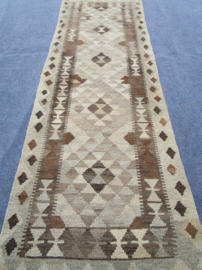 Stanton Carpet S Alexander Royal Sovereign 1592 Wine 100 Wools Of New Zeland Stanton Carpet Patterned Carpet Flooring Store