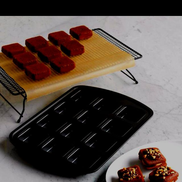 Brownie Pan And Stackable Cooling Rack Also Works Great For