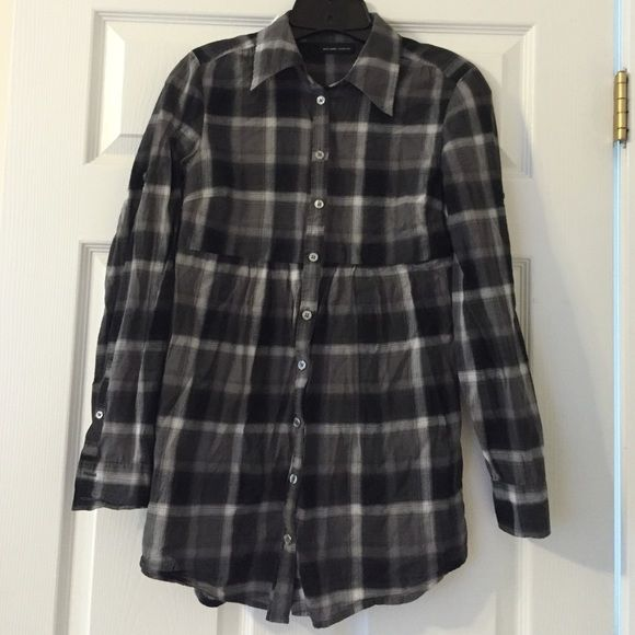 ❄️☃️Holiday Sale: NY&Co plaid tshirt dress Good condition. Can be worn w leggings as a dress or as a top. Marked XS but works for a small too! New York & Company Tops