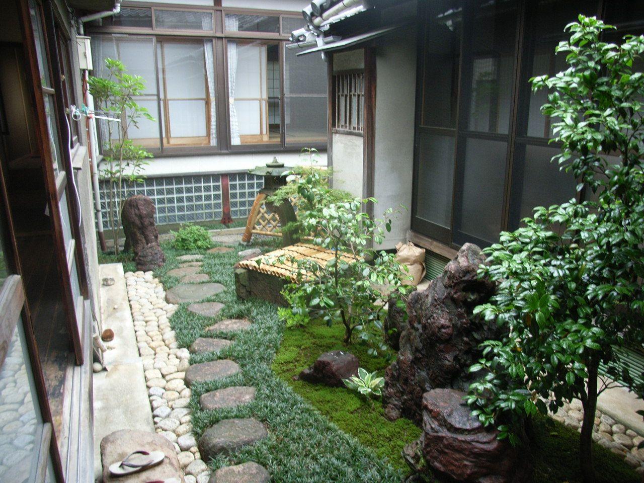 Small Space Japanese Garden 日本の石庭 日本庭園 日本庭園の設計 400 x 300