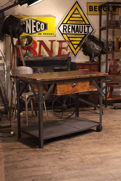 etabli ancien metal rivet dessus bois indus pinterest tablis toulouse et industriel. Black Bedroom Furniture Sets. Home Design Ideas