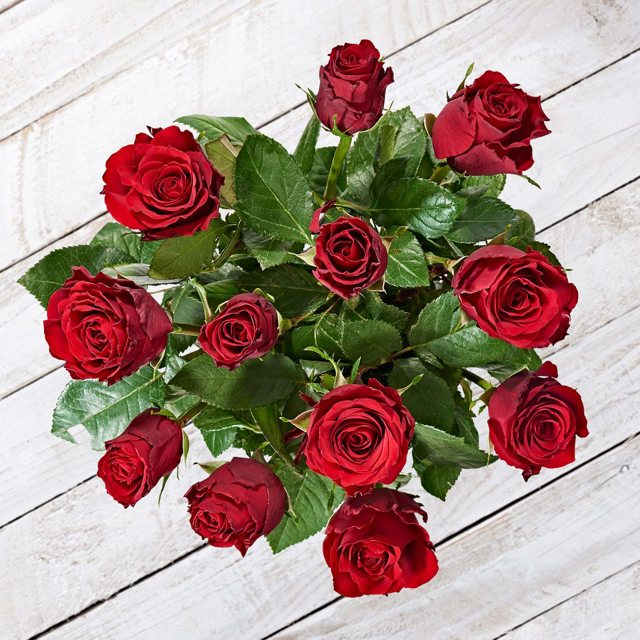 Merlot Buy These Dozen Beautiful Red Roses To Say Je T Aime To