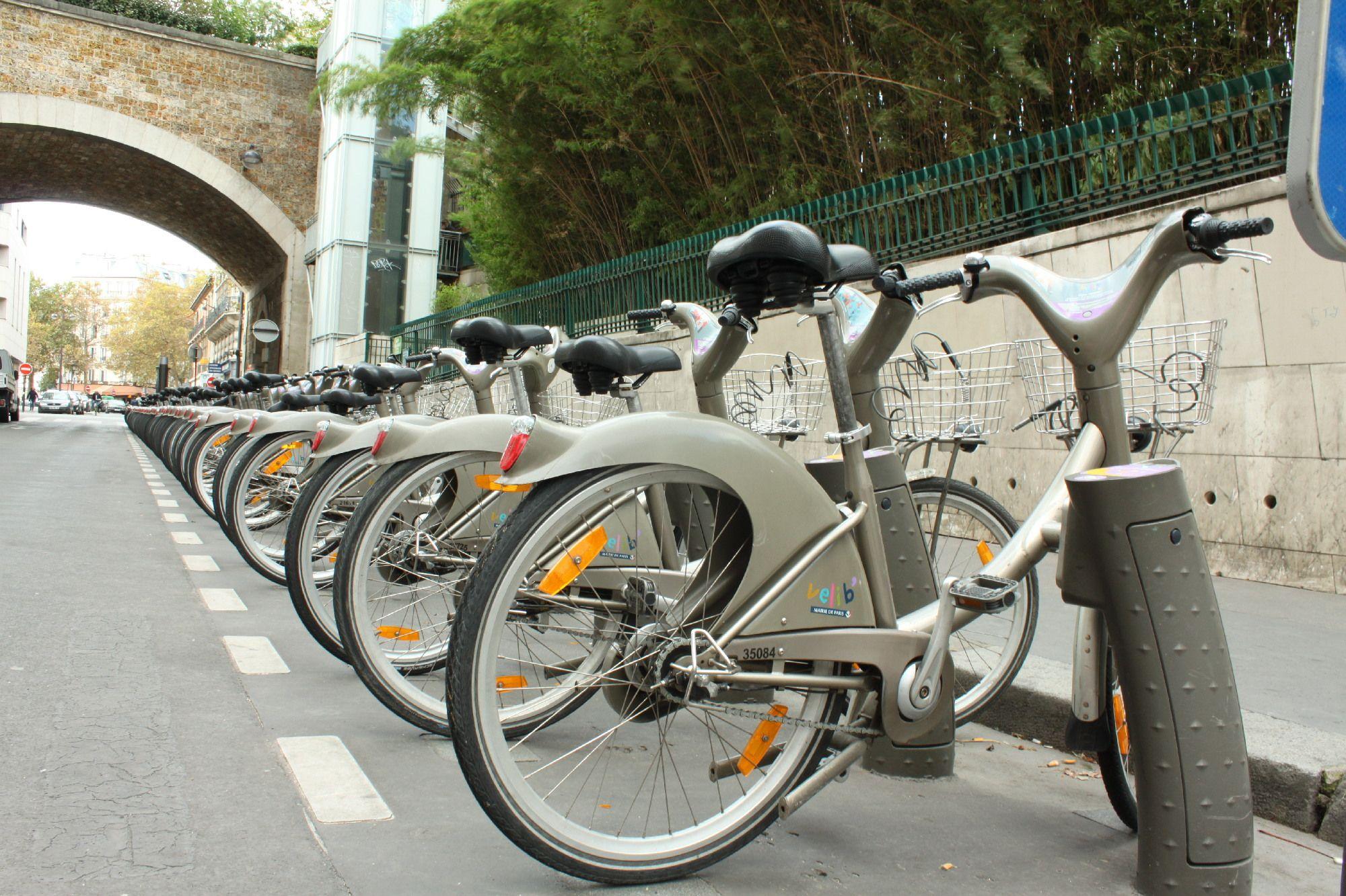 30 Of The New Bikes In Paris Velib Metropole Bike Share System