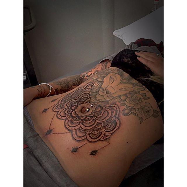 pingl par rizog sur tatuajes mujeres pinterest. Black Bedroom Furniture Sets. Home Design Ideas
