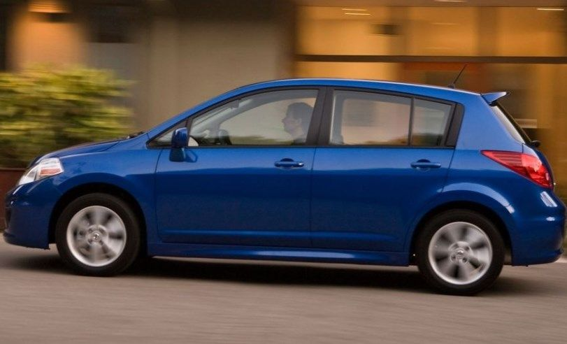 2010 Nissan Versa Owners Manual In 2020 Nissan Versa Nissan Subcompact