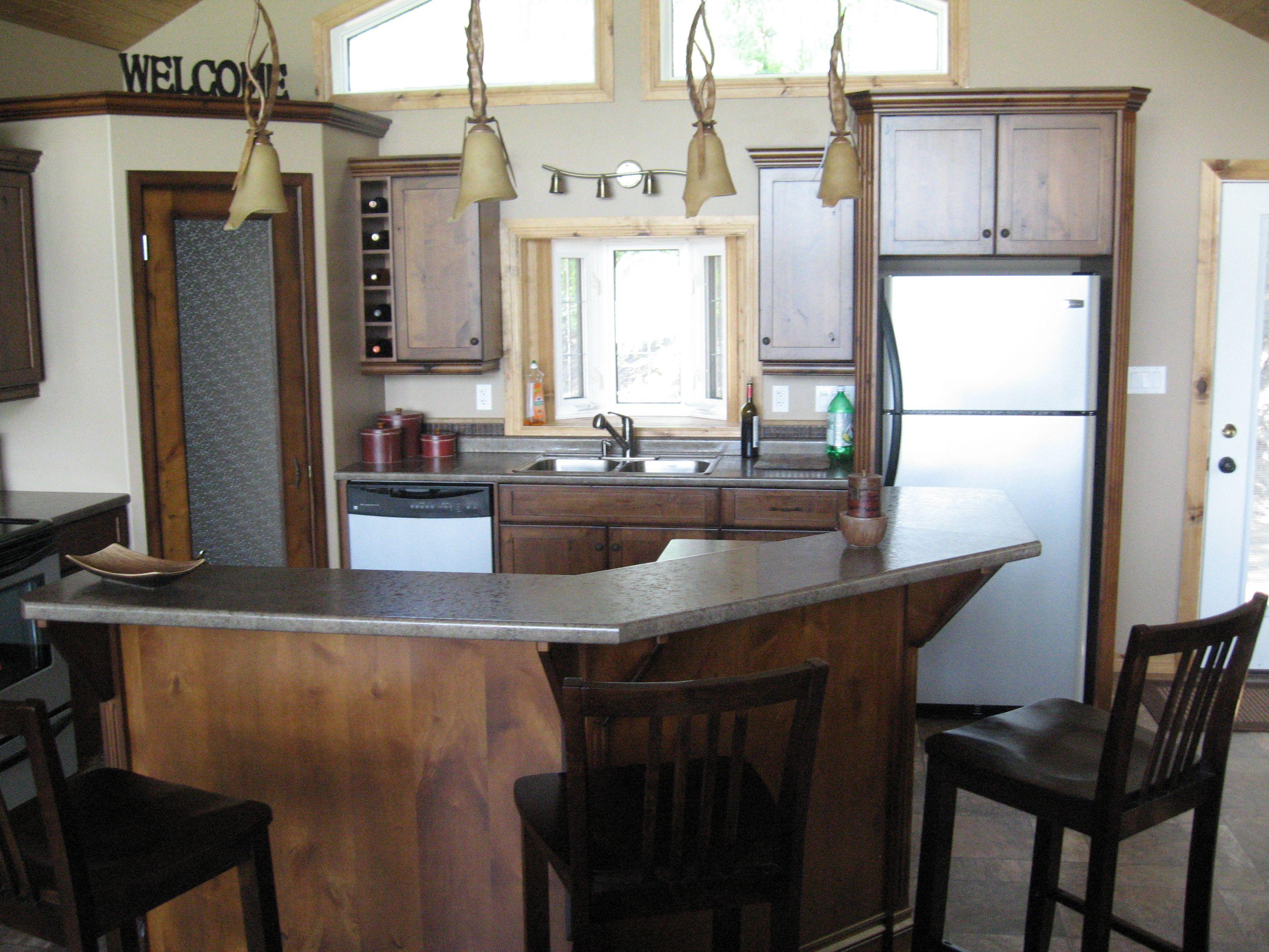 Best Kitchen Cabinets Knotty Alder Cheyenne Countertops 400 x 300