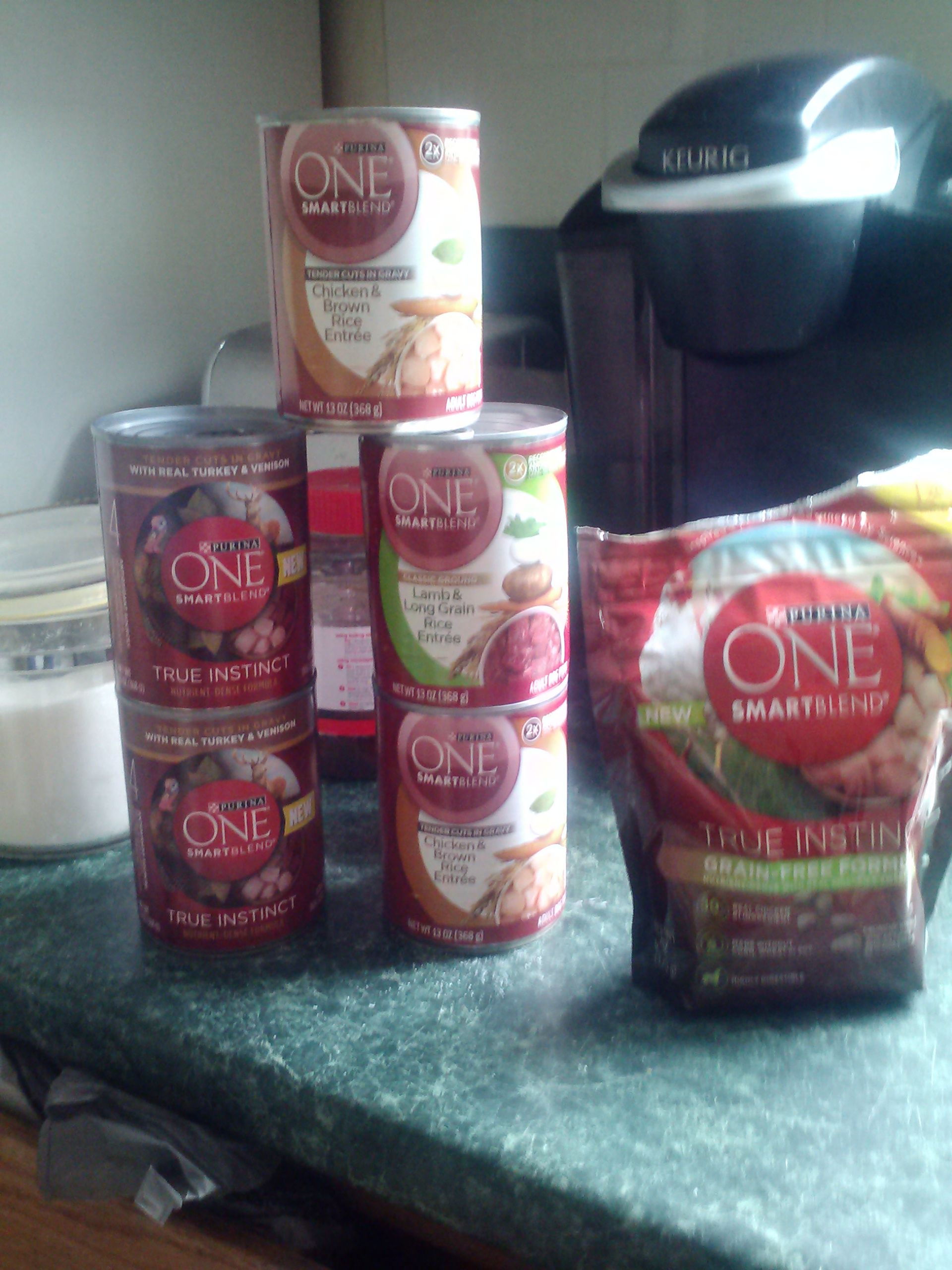 #onedifrence.these my freesamples from #purinaone and #smiley360 so far..#freesample