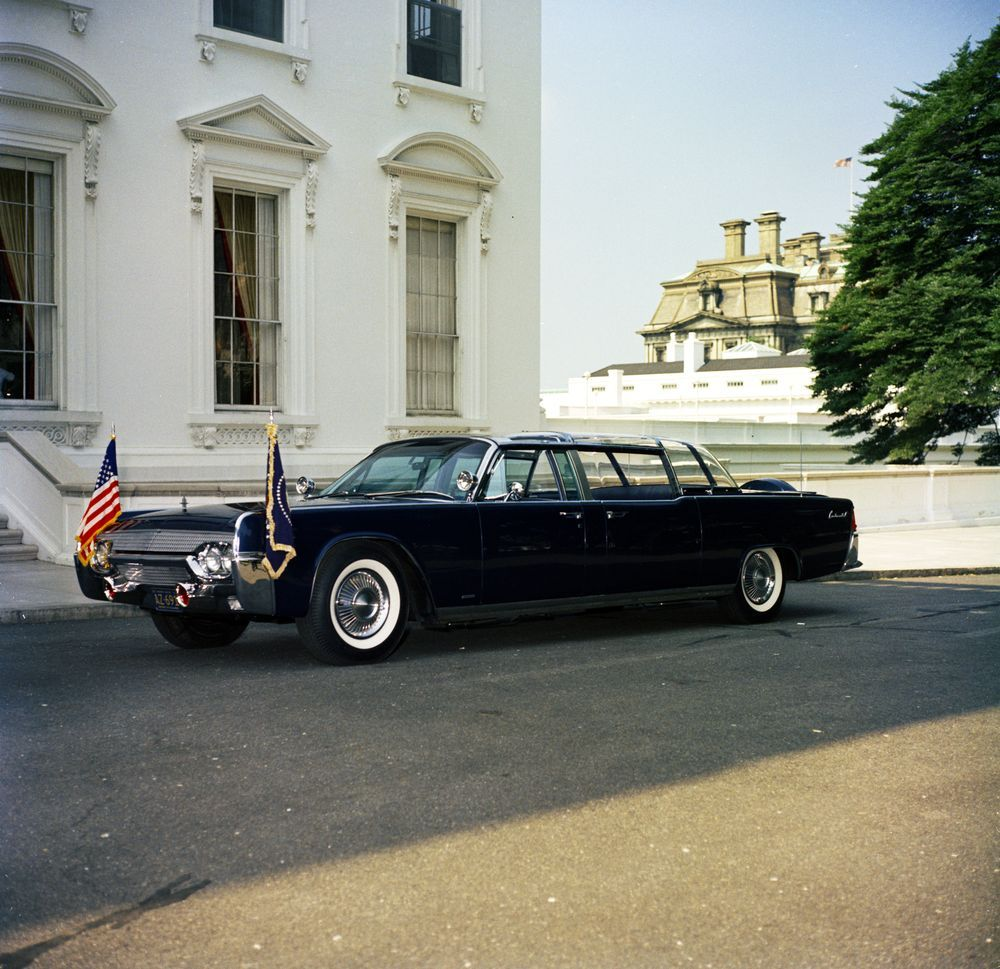 1961 Lincoln Continental Presidential Limousine In Its