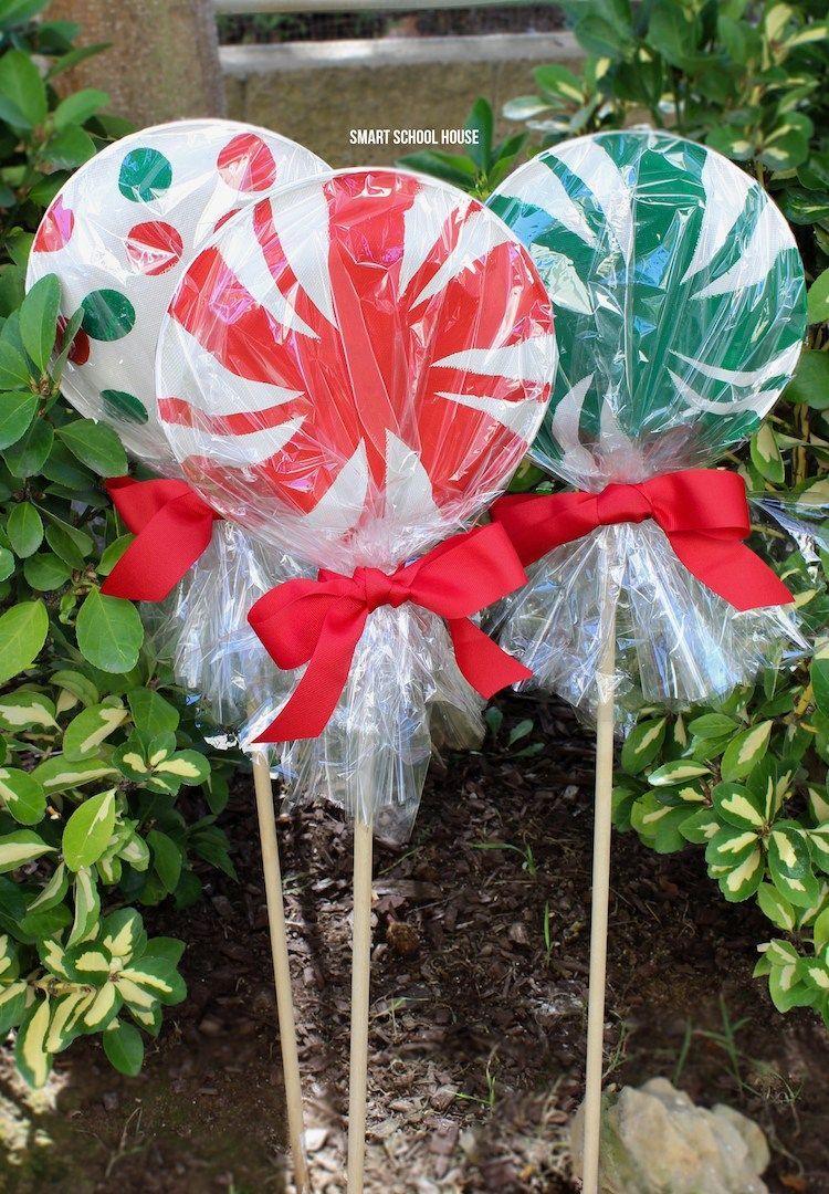 Diy outdoor christmas decorations   Cheap u Easy DIY Outdoor Christmas Decorations  Pinterest  Diy