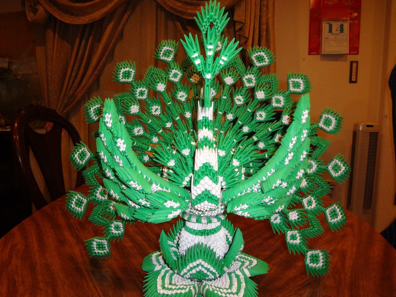 3d origami peacock. $300.00, via Etsy. | キャラクター - photo#14