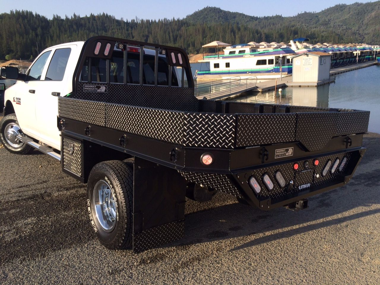 2015 dodge 3500 w hpi leopard strongback flatbed see more pics and learn more