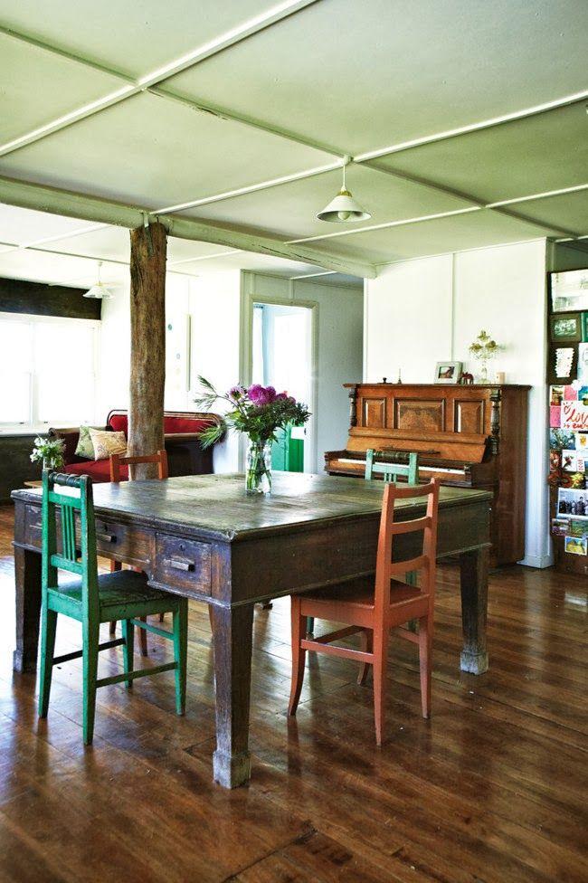 Keltainen talo rannalla: Vintagea, rustiikkia ja keittiöitä