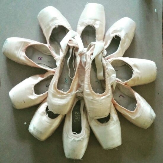Pointe Shoe Wreath! #DIY Cardboard for the base of the pointe shoes and use tacky glue to glue everything together!!