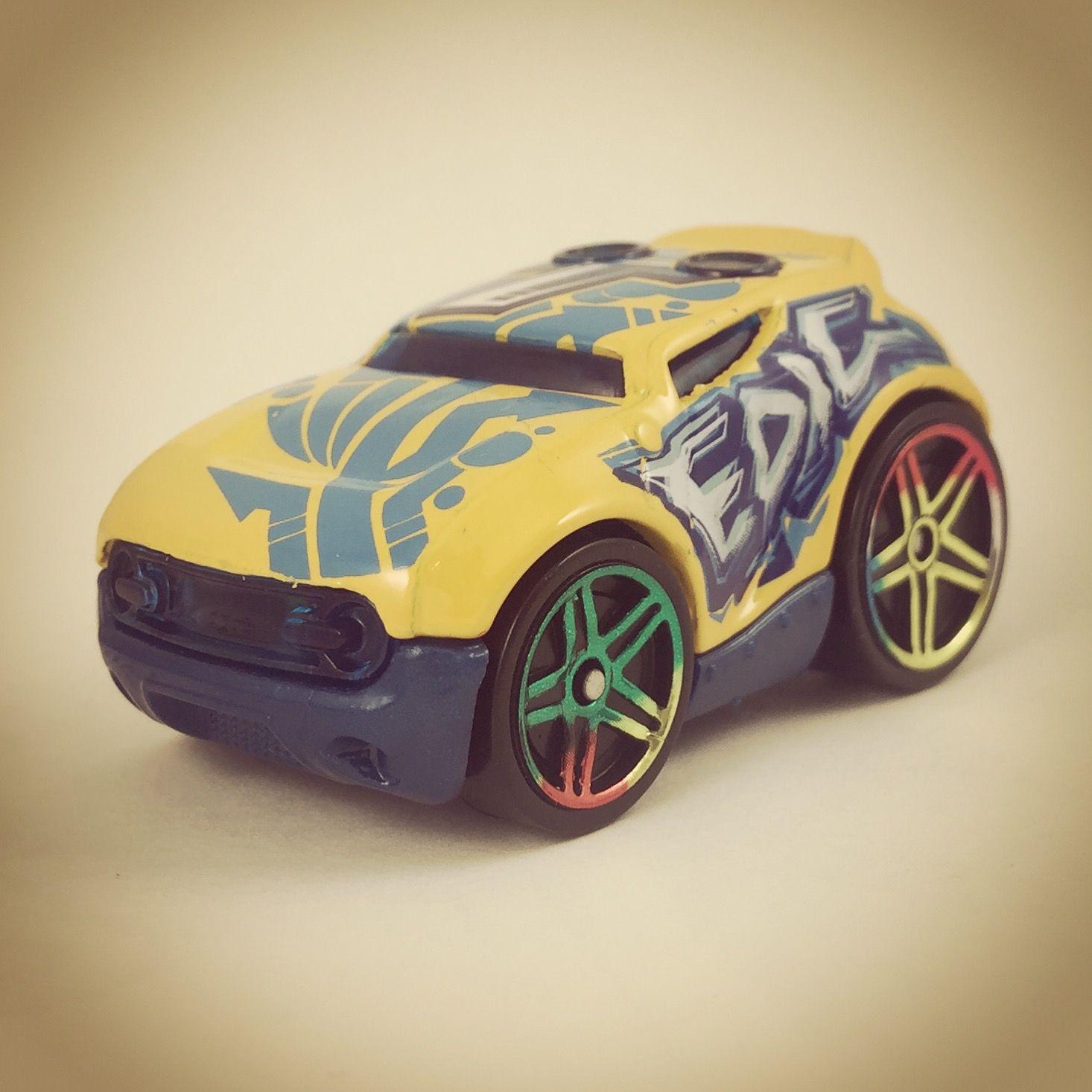 303335ffd0d46594520d264eb390c9a8 Elegant Bugatti Veyron toy Car Hot Wheels Cars Trend