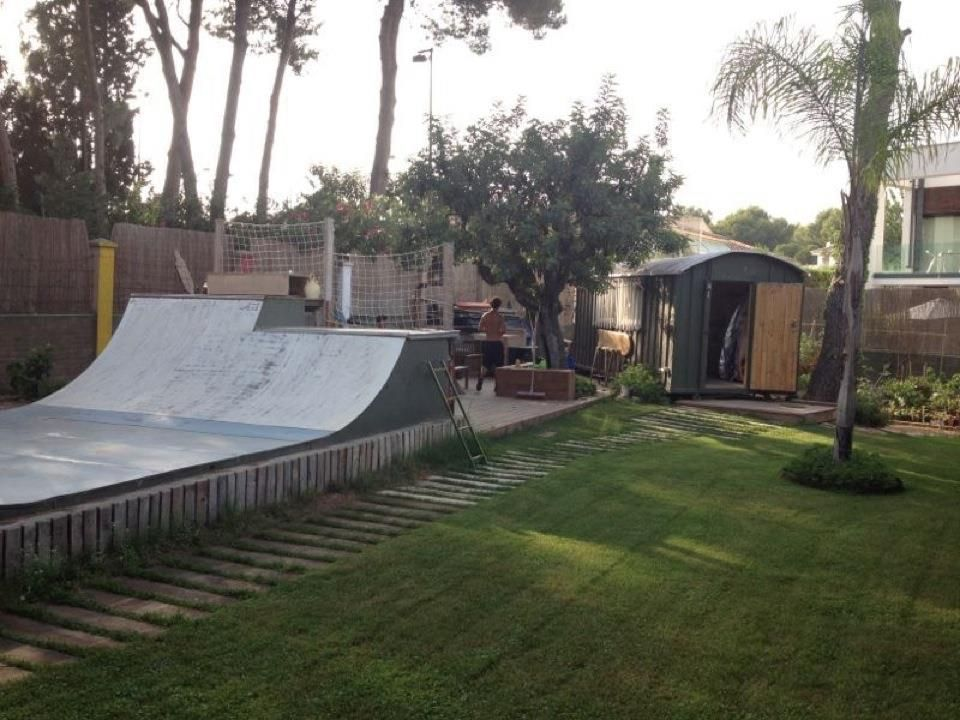 Exceptionnel Skate Home Friends, Backyard Skate Ramp. Garden Skate Ramp For The Kids.
