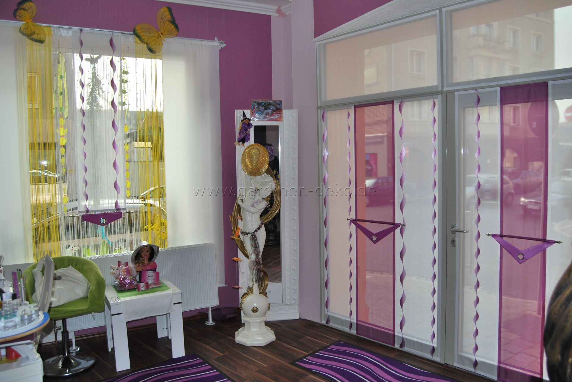 Schiebevorhang im Lametta Stil und festmontierter Design