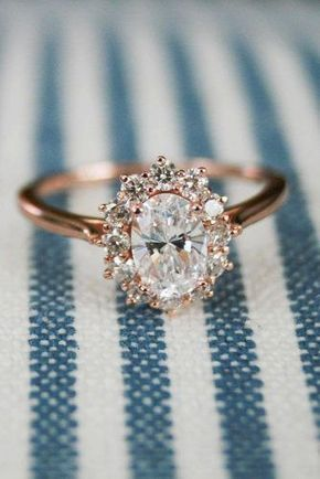 Rose Gold Engagement Rings Halo Vintage Oval Diamond Weddingring