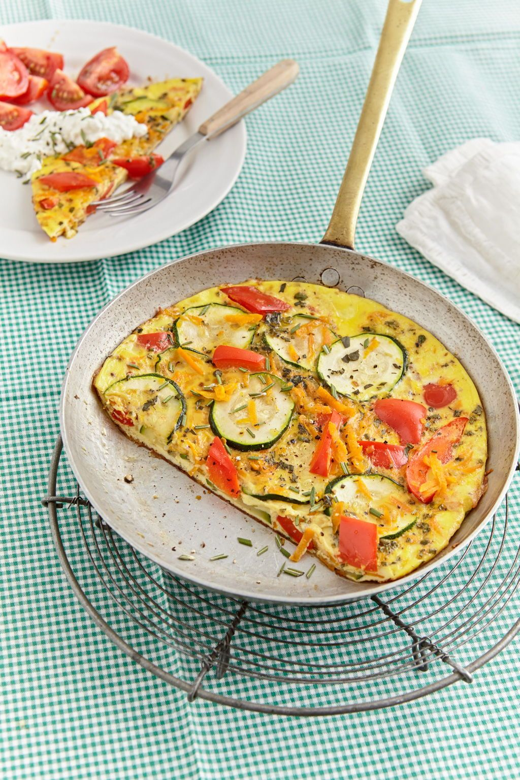 Photo of Zucchini, pepper and carrot frittata with cottage cheese and tomatoes from Keksilein93 | Chef