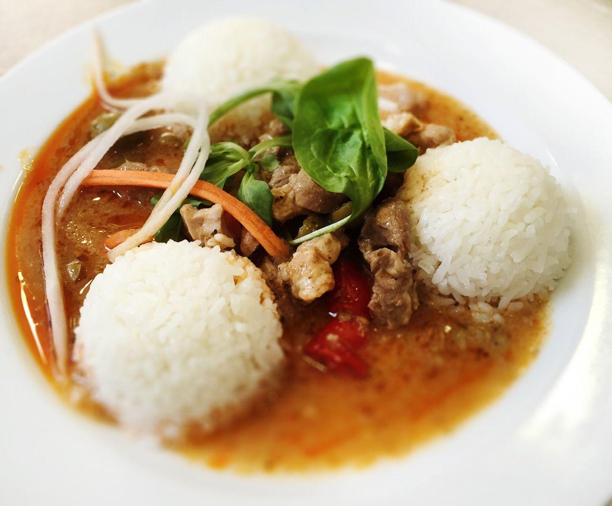 Denné menu Vranov   Bravčové rezance s olivami a baraními rohmi, dusená ryža - reštaurácia Hotel Patriot*** #hotel #restaurant