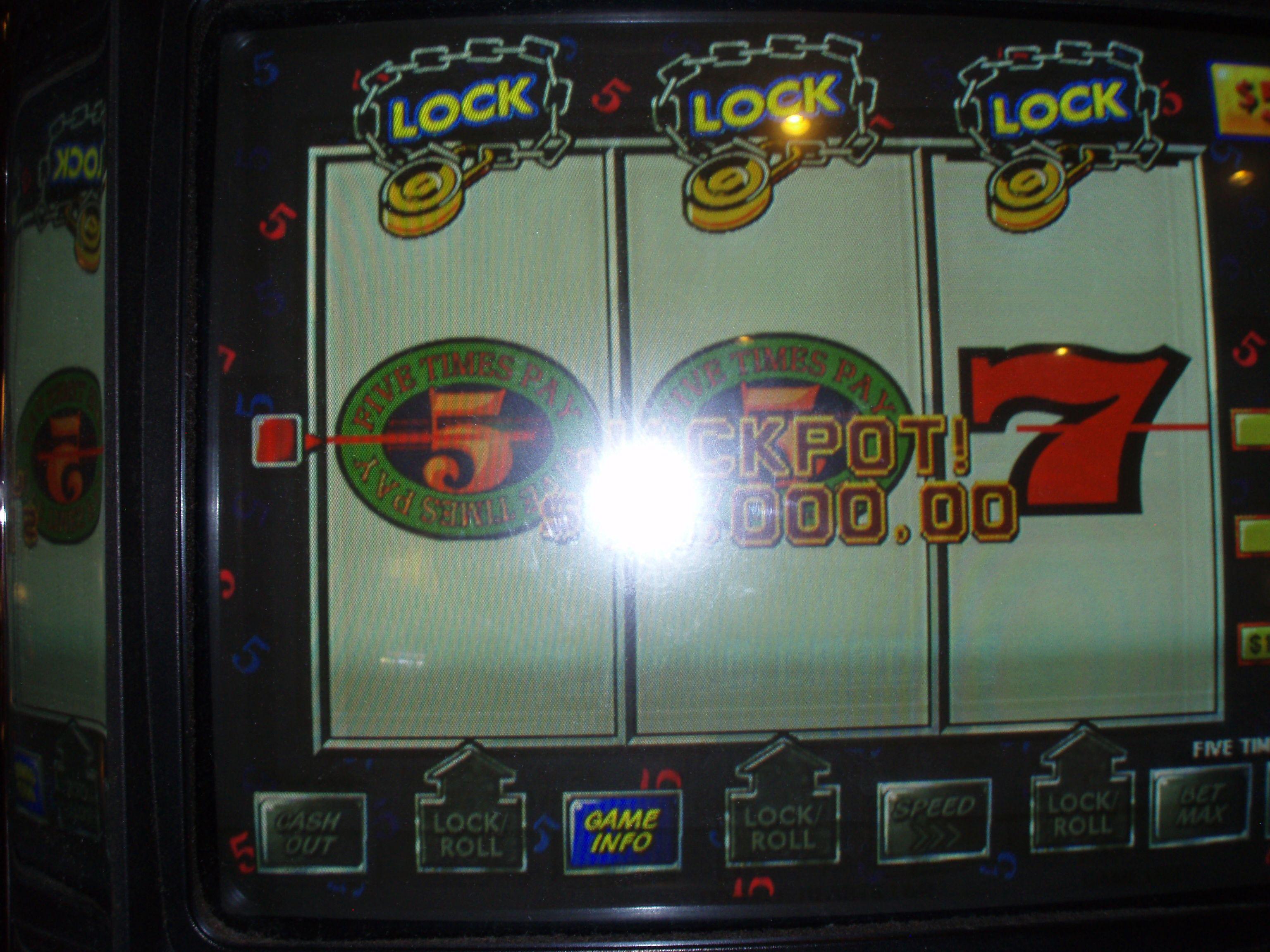 15,000 Jackpot at Harrah's Cherokee Casino Cherokee