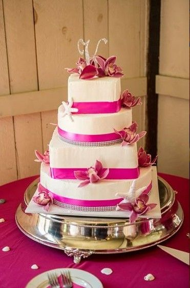 Pin on Wedding Cakes at Barn at Boones Dam