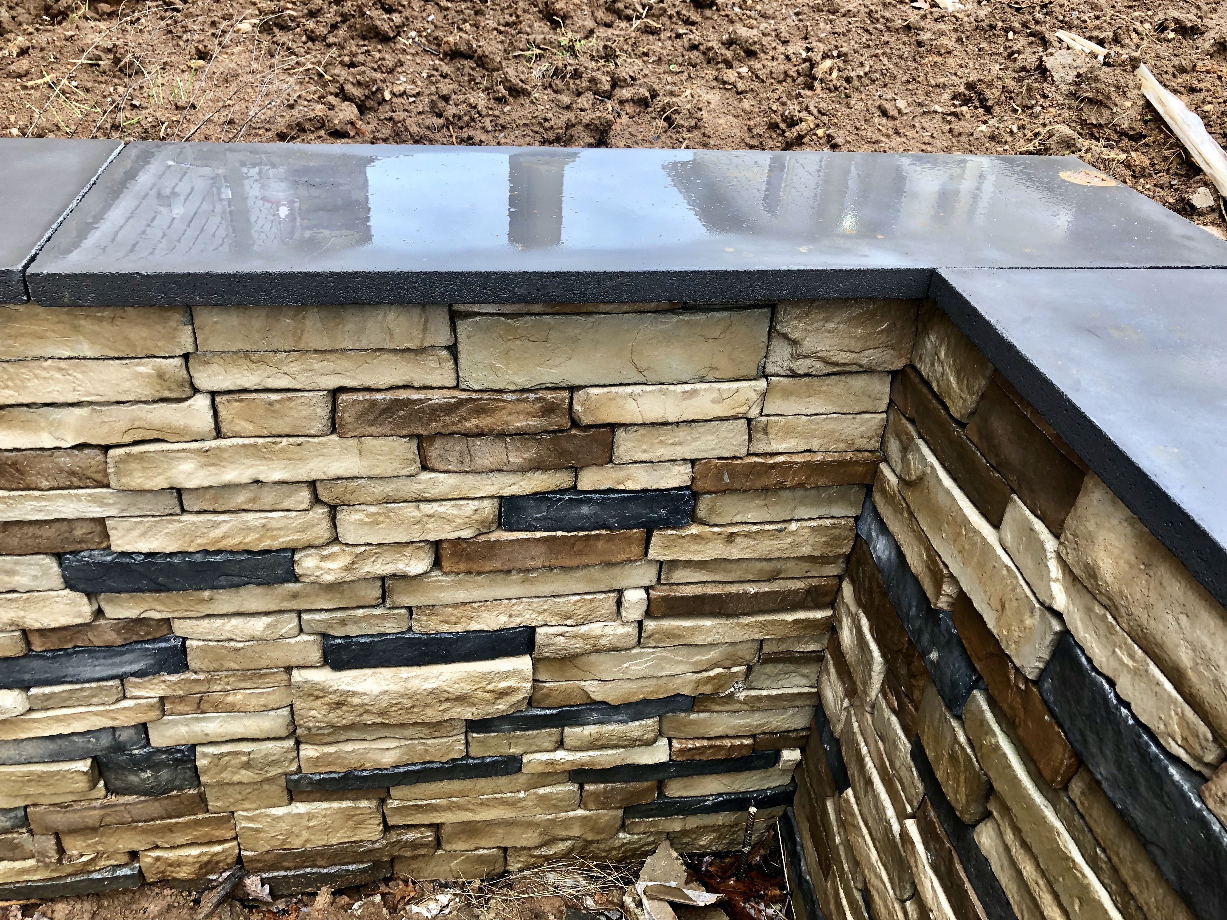Custom Cap For Retaining Wall Manufactured Stone Manufactured Stone Veneer Stone Veneer