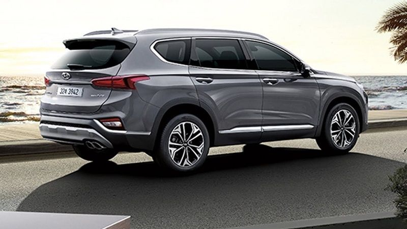 Hyundai Santa Fe 2019 Is Drive Well With Easy To Use Control Comprehensive Standard Comfort Hyundai Santa Fe Hyundai Santa Fe Interior Hyundai Santa Fe Sport