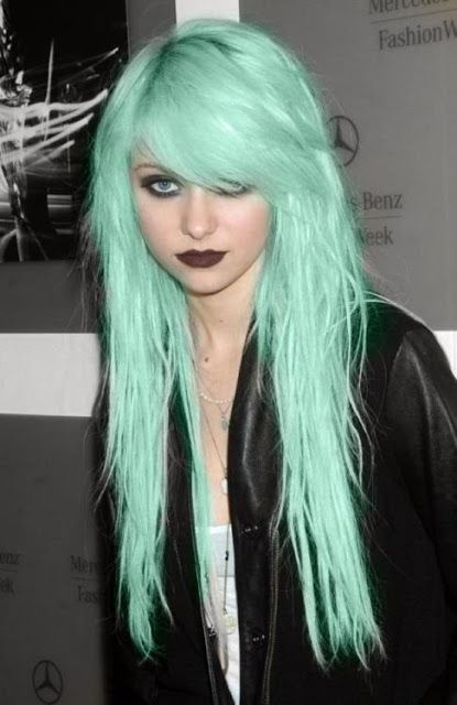 Taylor Momsen's #green #hair