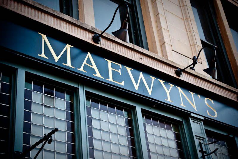Maewyn S Irish Pub Restaurant 110 N George St York Big