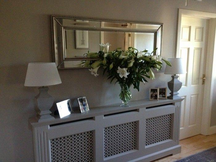 Gestaltungsideen Flur gestaltungsideen flur graue regale und länglicher spiegel entrée