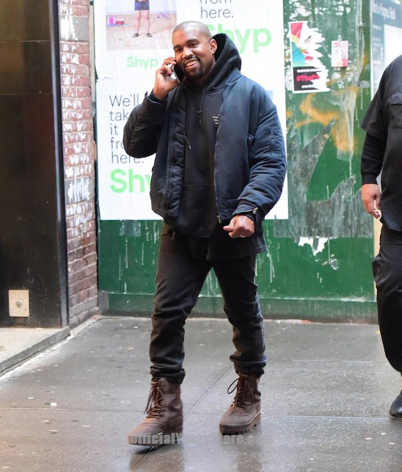 Kanye West S Adidas Yeezy Boost 350 Best Shoe Of 2015 Footwear News Award Gq Kanye West Style Kanye West Outfits Kanye West Adidas Yeezy