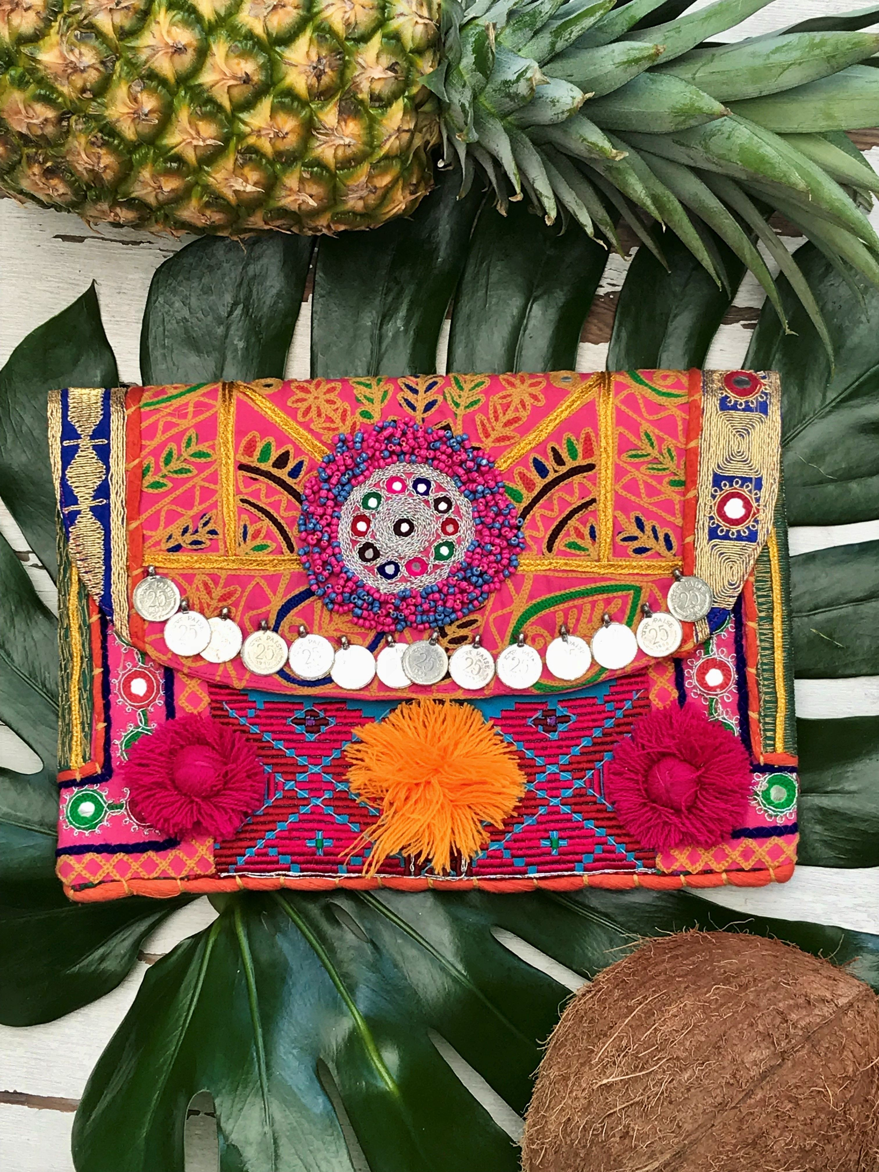 Selena Coin Clutch - The Style Cantina  ee71c6218