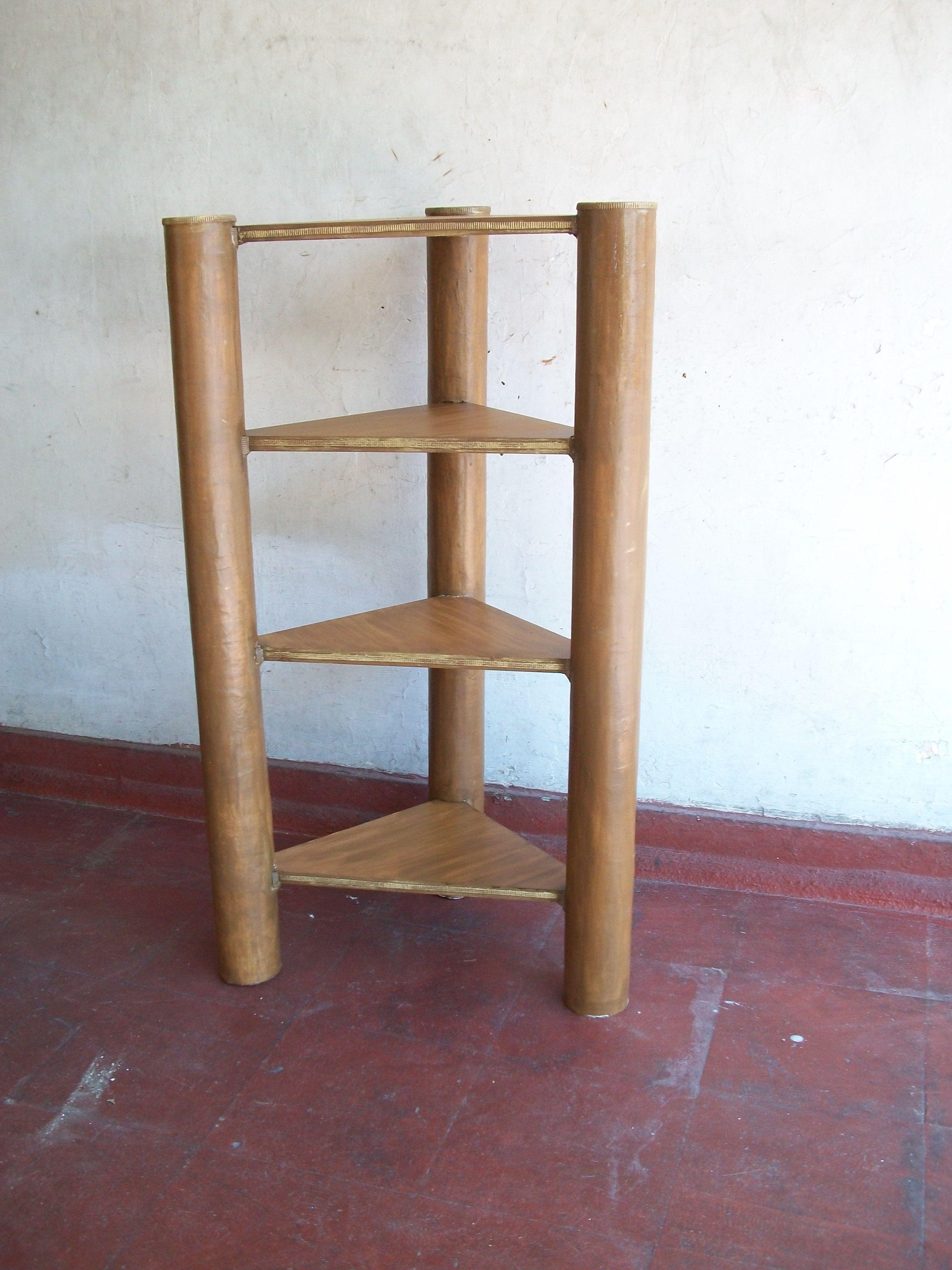 Esquinera con rollos de carton y madera mucha cartapesta - Rollos adhesivos para muebles ...