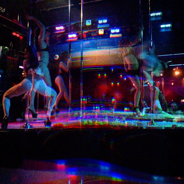 Pin de Cali en |Strip club 18+| | Pinterest | Fotografía nocturna ...