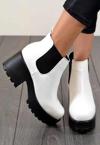 SHOCK+Chunky+Heel+Biker+Style+Chelsea+Ankle+Boots+in+White