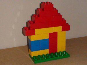 huizen bouwen beide kanten van een straat huisnummers erop plakken even oneven lego. Black Bedroom Furniture Sets. Home Design Ideas